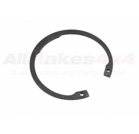 216962: Circlip Output Flange Front Or Rear 90/110 Discovery and Range Rover