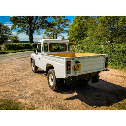 2012 Land Rover 110 Defender 2.2 Hi Capacity Pick Up in White Excellent