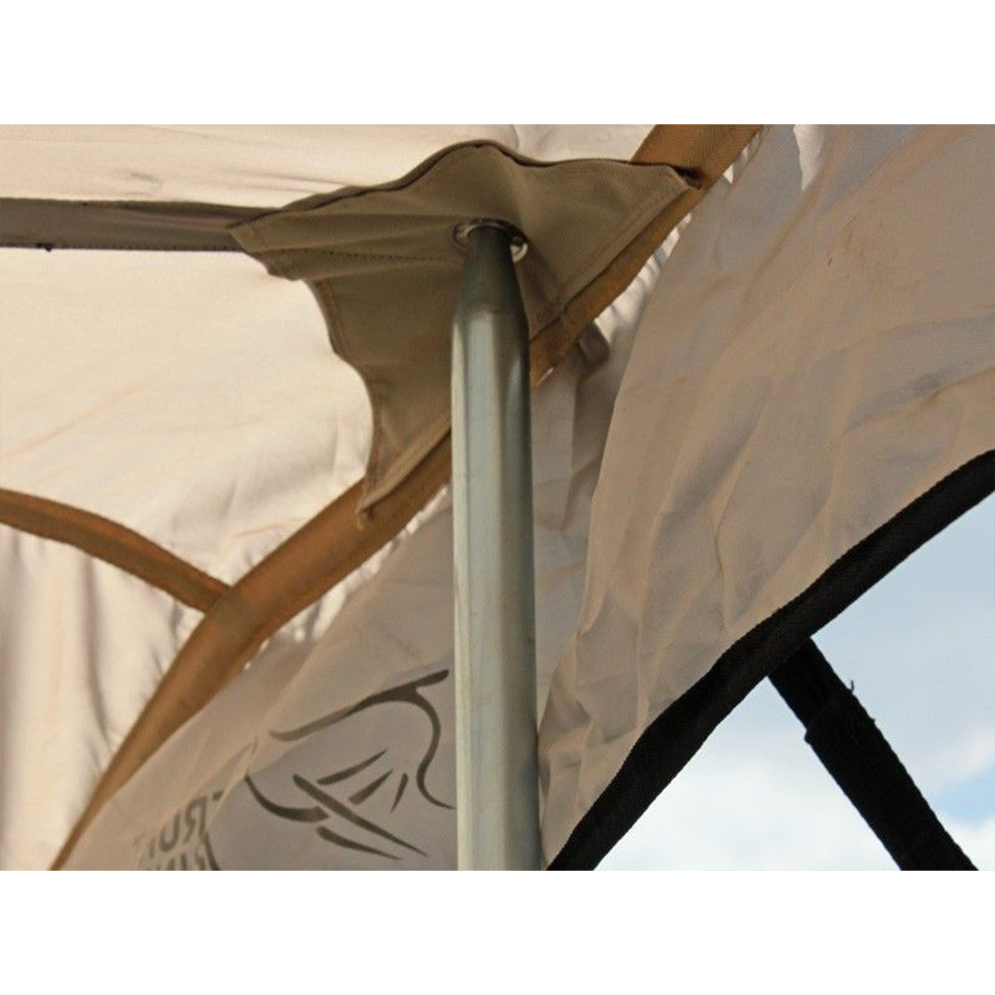 Front Runner Featherlite Awning (3.3X2.7M) Inc Mounting Rail